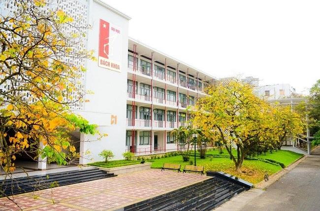 """Đại học Bách Khoa Hà Nội là Top 10 Trường đại học có khuôn viên """"xanh"""" đẹp nhất Việt Nam"""