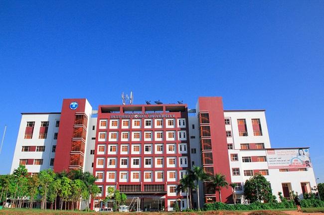 """Đại học Quốc Tế - Đại học Quốc gia TP HCM là Top 10 Trường đại học có khuôn viên """"xanh"""" đẹp nhất Việt Nam"""