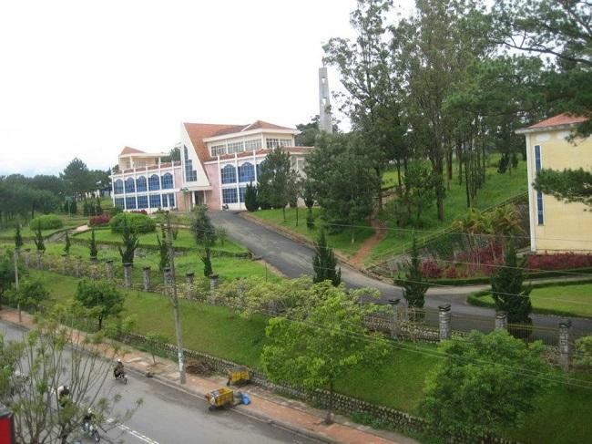"""Đại học Đà Lạt là Top 10 Trường đại học có khuôn viên """"xanh"""" đẹp nhất Việt Nam"""