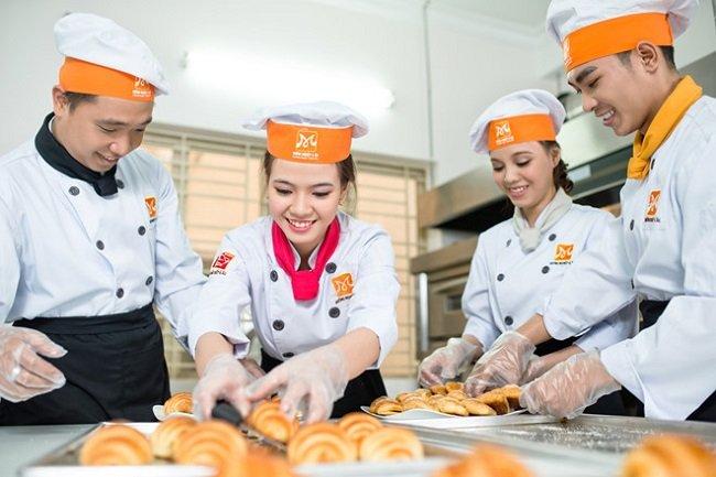 Trường hướng nghiệp Á Âu là Top 5 địa chỉ học làm bánh uy tín và chất lượng nhất tại TPHCM